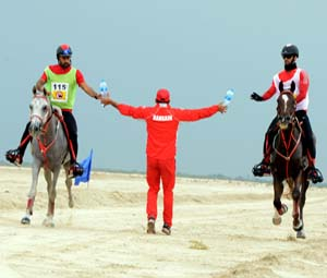 HH Sh Nasser Hails Strong Competition at Endurance Season's Opening Round